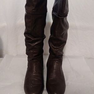 Brown Flat Knee Length boots 7.5